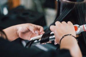 エアライン就活の証明写真と面接の髪型は変えてもOK?注意点やそれぞれのセットポイント3