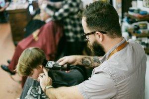 エアライン写真の髪型を美容室で!カット・カラー・セットで失敗しない頼み方4
