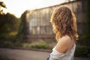 エアライン証明写真でパーマについて、天然パーマなどOKとなるパーマや髪型を解説1