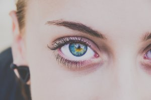 エアライン証明写真の眉毛はペンシルがおすすめ!選び方や使い方を紹介1