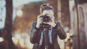外資エアラインの証明写真の撮り方ガイド、服装・メイク・髪型・表情・ポーズ・加工修正を徹底解説!4