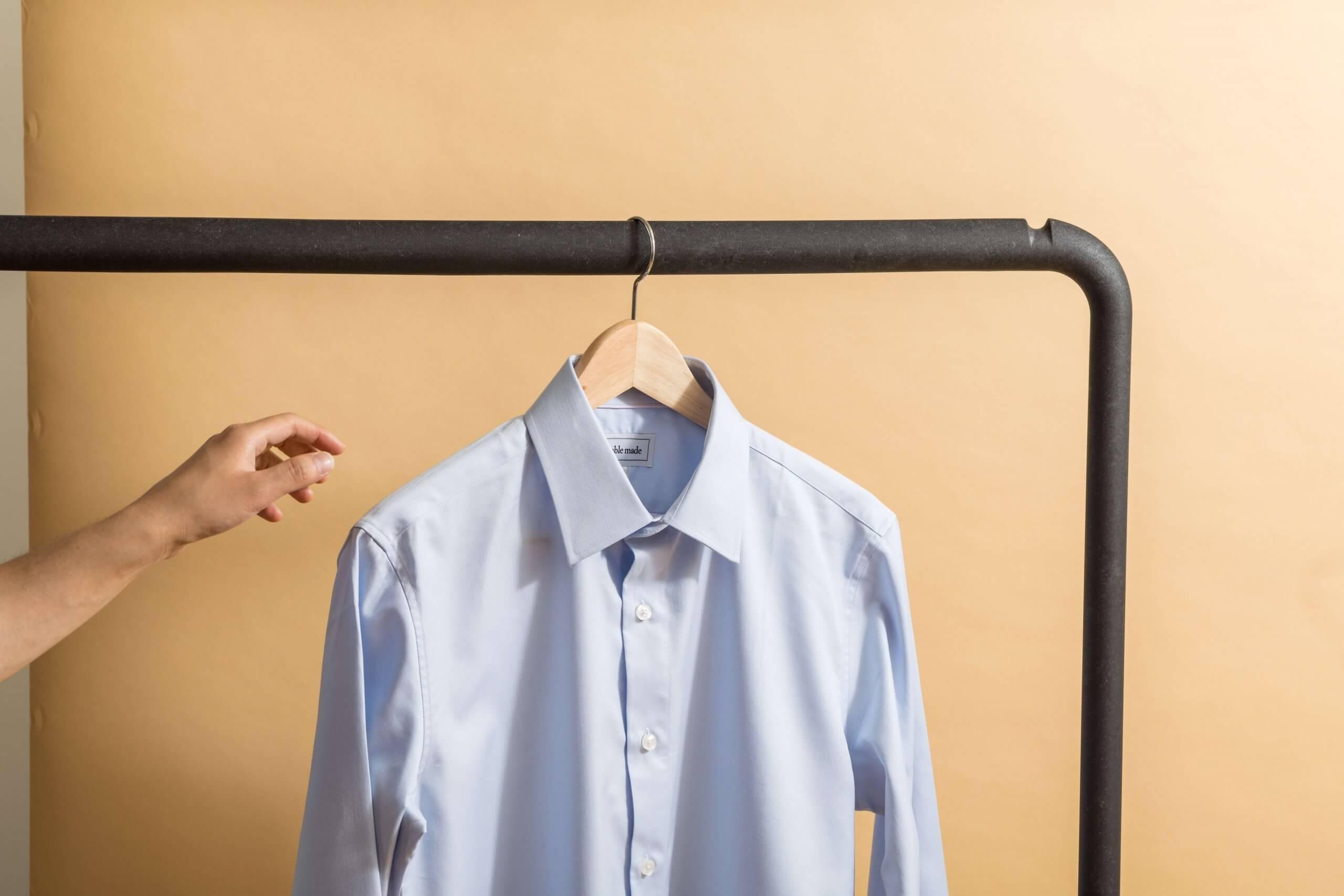 エアライン証明写真に適したシャツ、着こなしのポイントを男女別に解説!